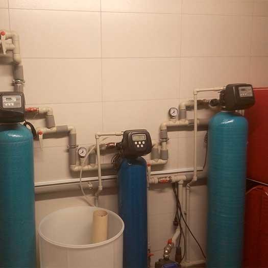 Обслуживание фильтра воды колонного типа