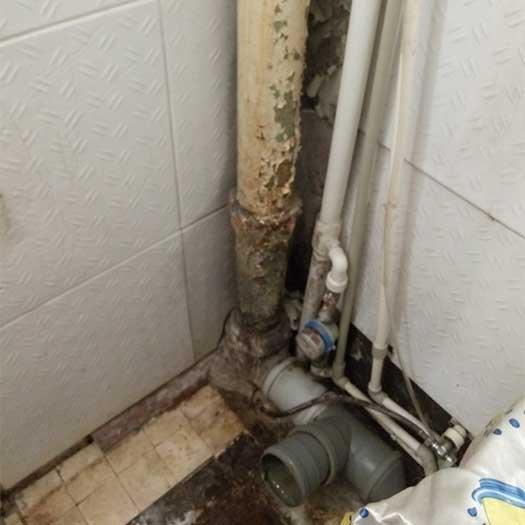 Замена стояка канализации труб холодной воды в санузле
