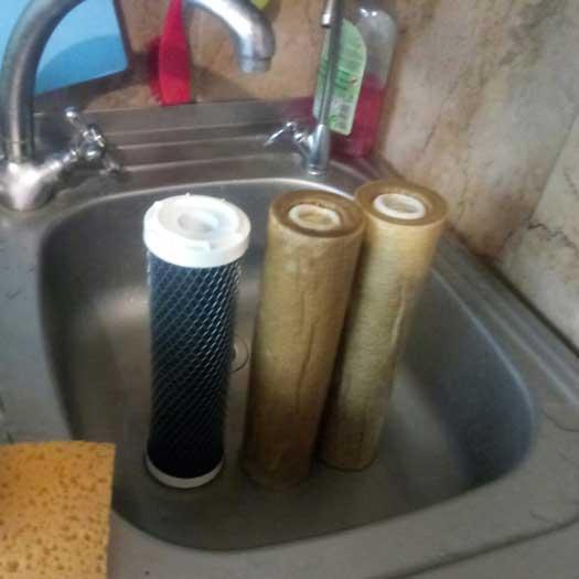 Замена картриджей фильтра обратного осмоса воды