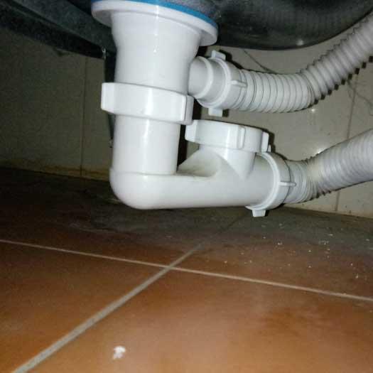 Срочная очистка канализационной трубы