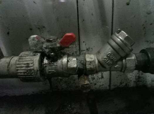 Разводка труб, повышения напора воды на автомойке в Днепропетровске